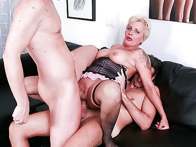 CASTING ALLA ITALIANA - Horny mature blonde gets DP in hot MMF threesome