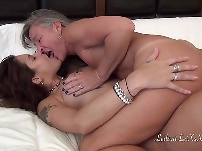 Milf Sensually Wakes Girlfriend