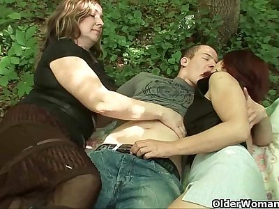 Mom loves outdoor sex